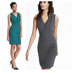 BANANA REPUBLIC 14 Gray Deep Vee Sheath Dress